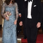 477C5EFC00000578 5196323 Kate looked radiant as ever as she arrived at The Royal Variety  a 56 1513814984966