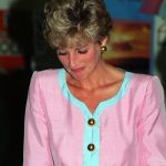 Princess Diana Crying after meeting with Queen Elizabeth Photo C GETTY IMAGES