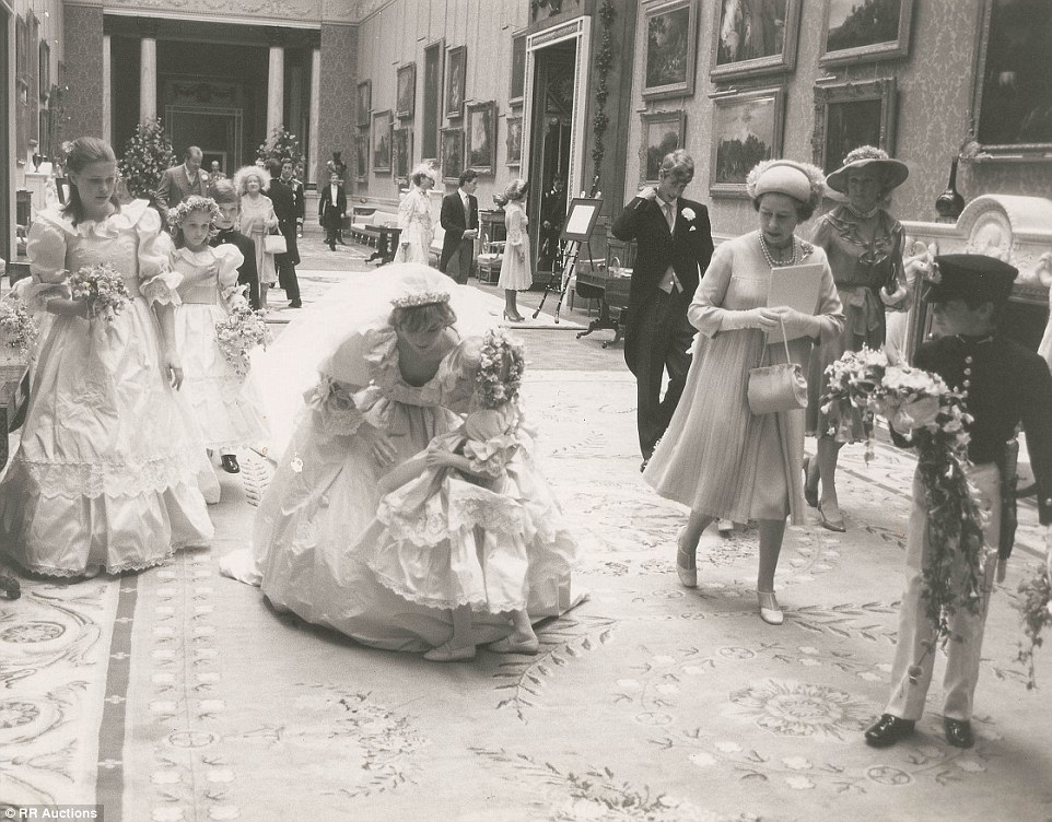 Princess Diana Wedding Day Photo C GETTY IMAGES 0099