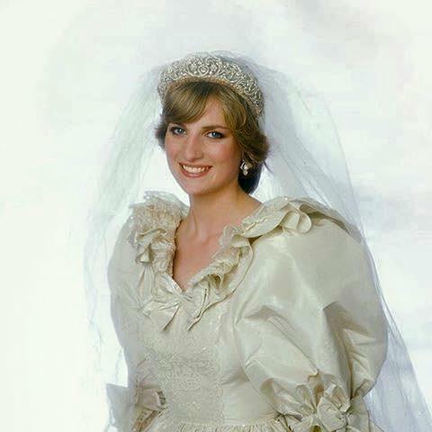 Princess Diana Wedding Day Photo C GETTY IMAGES 0204