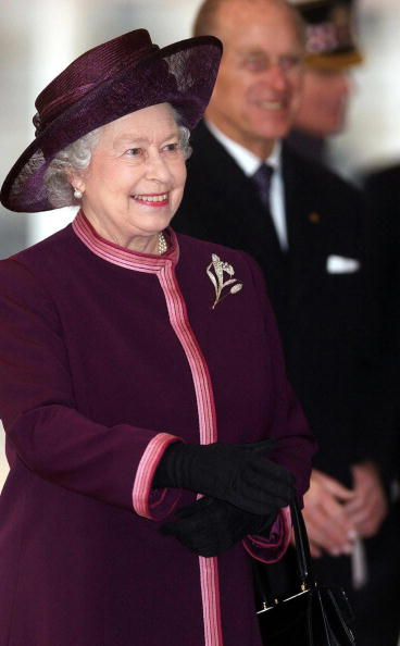 LONDON, UNITED KINGDOM: Britain's Queen Elizabeth II and the Duke of Edinburgh arrive at London's Horseguards Parade, 01 December, 2004 prior to the arrival of President Roh Moo-hyun of South Korea for a state visit. AFP PHOTO/MATTHEW FEARN/WPA POOL (Photo credit should read MATTHEW FEARN/AFP/Getty Images)