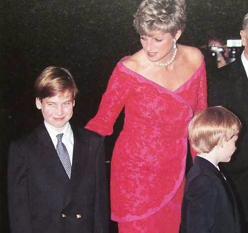 07 Princess Diana and Princes William and Harry Photo C GETTY IMAGES