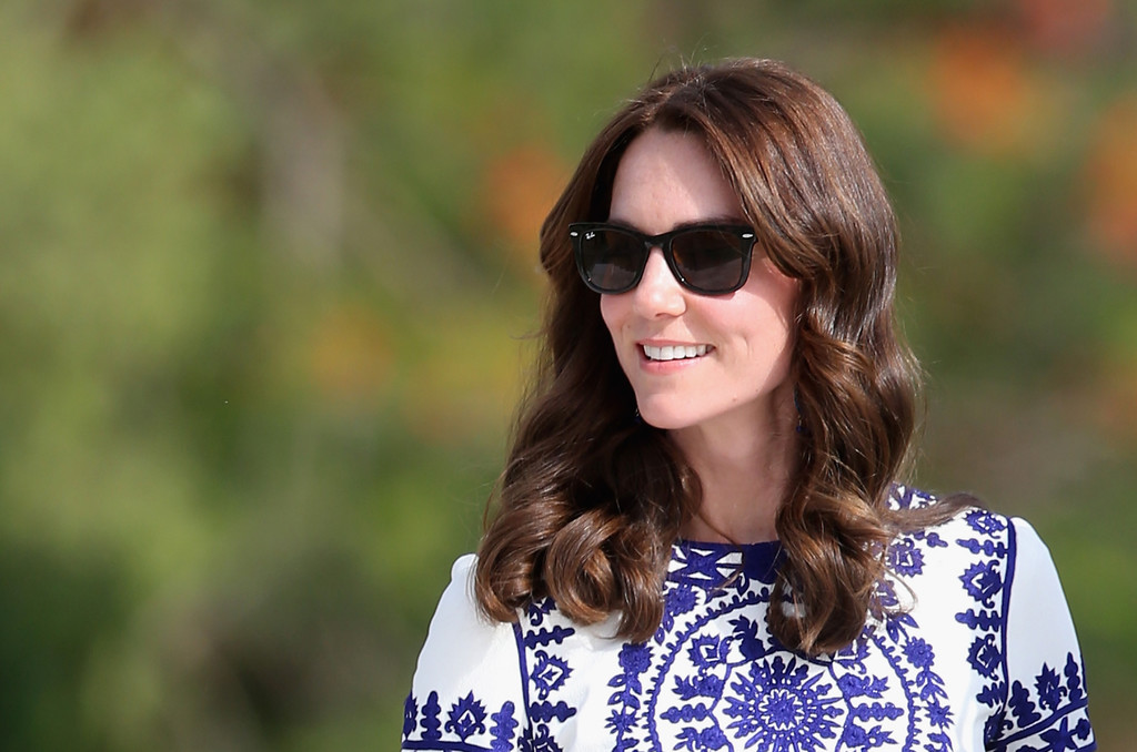 Catherine, Duchess of Cambridge walks in front of the Taj Mahal on April 16, 2016 Photo (C) GETTY IMAGES