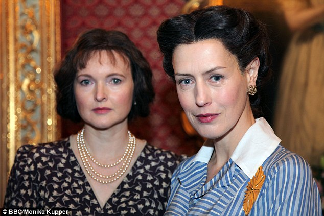 Controversial-Royal-Wives-At-War-documents-the-relationship-between-the-Queen-Mother-and-Wallis-Simpson-the-divorcee-for-whom-Edward-VIII-gave-up-the-throne-in-1936-to-marry