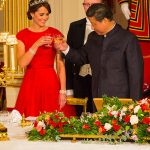 Duchess Kate wore a red Jenny Packham gown to meet the president in 2015 Photo C GETTY IMAGES