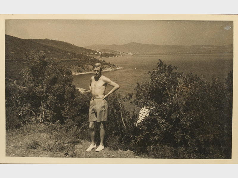 Edward-VIII-on-his-scandal-sparking-vacation-in-1936.-Photo-C-KERRY-TAYLOR-AUCTIONS