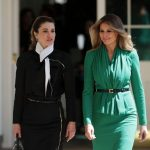 Melania Trump and Queen Rania of Jordon walk outside of the White House Photo C GETTY IMAGES