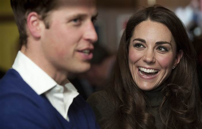Prince William and Catherine Duchess of Cambridge Romantic Moments Photo (C) GETTY IMAGES