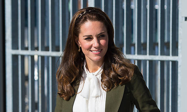 Kate Middleton, Pippa Middleton, Meet, Wedding, James Middleton, Carole Middleton, Home, Visit Photo (C) GETTY IMAGES