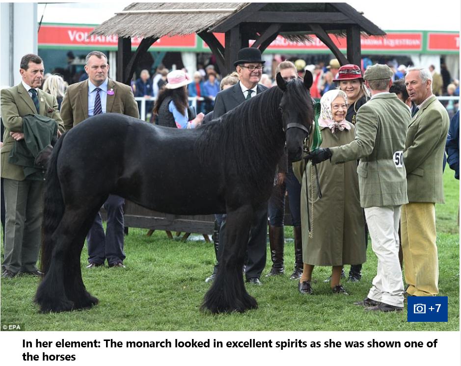 08 Queen Elizabeth II
