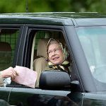 Her Majesty is the only person in the UK who can drive without a license Photo C GETTY IMAGES