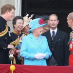 Queen Elizabeth II and Prince Harry Photo C GETTY IMAGES