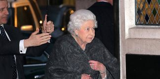 The Queen steps out for dinner at The Ivy Photo (C) GETTY IMAGES