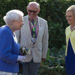 The Queen was on fine as she met British chef and television presenter Mary Berry.The Chelsea flower show held annually in the grounds of the Royal Hospital Chelsea