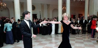 The iconic moment when John danced with Diana Photo (C) GETTY IMAGES