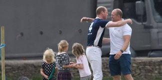 01 Prince William plays with Mia Tindall Photo C REX