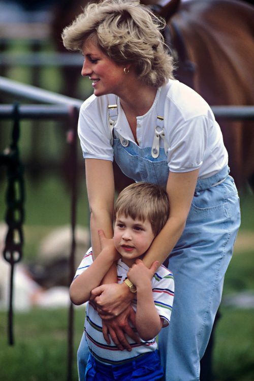 Princess Diana, Prince William, and Prince Harry Photo (C) GETTY IMAGES