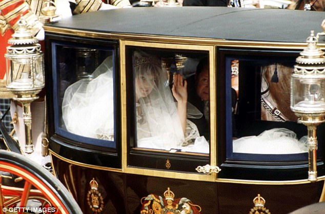 Diana in the coach to St Paul's