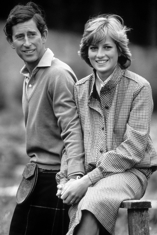 Mandatory Credit: Photo by BRYN COLTON / Rex Features (208960h) PRINCE CHARLES AND PRINCESS DIANA DURING THEIR HONEYMOON IN THE GROUNDS OF BALMORAL CASTLE SCOTLAND - 19 AUGUST 1981 British Royals - 1980s