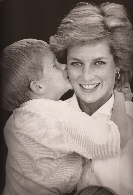 Prince Harry and Princess Diana Photo (C) GETTY IMAGES
