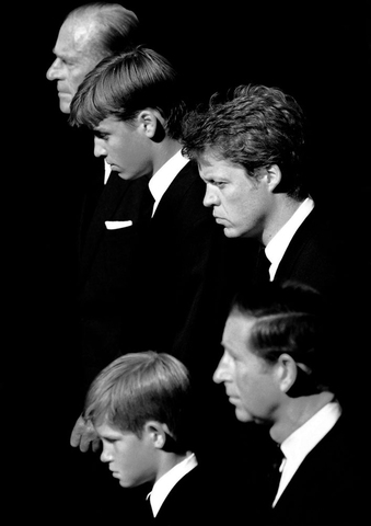 PRINCES WILLIAM AND HARRY WITH EARL SPENCER,PRINCE CHARLES AND DUKE OF EDINBURGH LEAD THE FUNERAL PROCESSION OF PRINCESS DIANA AT WHITEHALL,ON THE WAY TO WESTMINSTER ABBEY FUNERAL SERVICE. 06.09.1997. PIC JON BOND