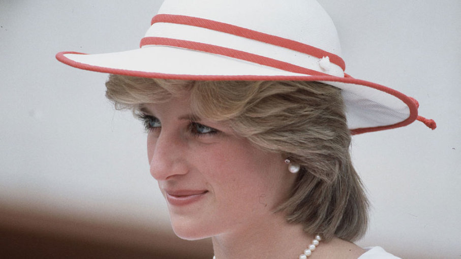 Princess Diana Princess of Wales wears protective body armor while visiting a land mine field being cleared by the charity Halo in Huambo Angola. Photo C GETTY IMAGES