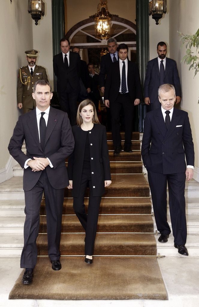 Spanish Royals Sign Book of Condolences at Belgium Embassy Photo (C) GETTY IMAGES