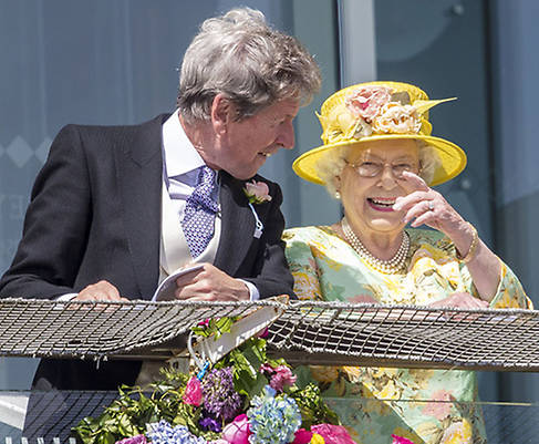 The Queen arrives for a day at the races Photo C GETTY IMAGES