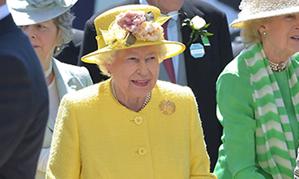 The Queen enjoys a day in the sunshine at the Epsom Derby Photo (C) GETTY IMAGES