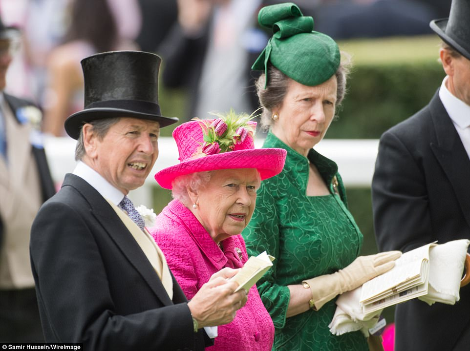 The Queen was joined in the parade ring by racing advisor John Warren and her daughter Princess Anne