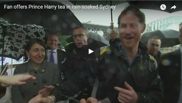 Video Best Moment of The Tour Fan offers Prince Harry tea in rain soaked Sydney