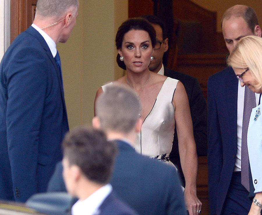 Kate Middleton, Duchess of Cambridge and Prince William leave their residence in Warsaw, Poland Photo (C) SplashNews