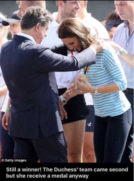A great honour for the Cambridge Mayor to hand out the medal to HRH Kate the Duchess of Cambridge after the boat race in Heidelberg Germany