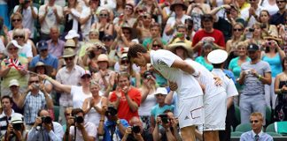 Andy Murray and Jarkko Nieminen bowed to the Queen ahead of the match Photo C GETTY IMAGES