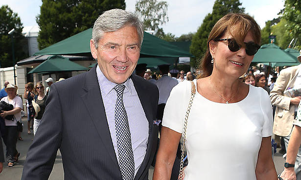 Carole and Michael Middleton watch tennis ace Roger Federer at Wimbledon Photo (C) GETTY IMAGES