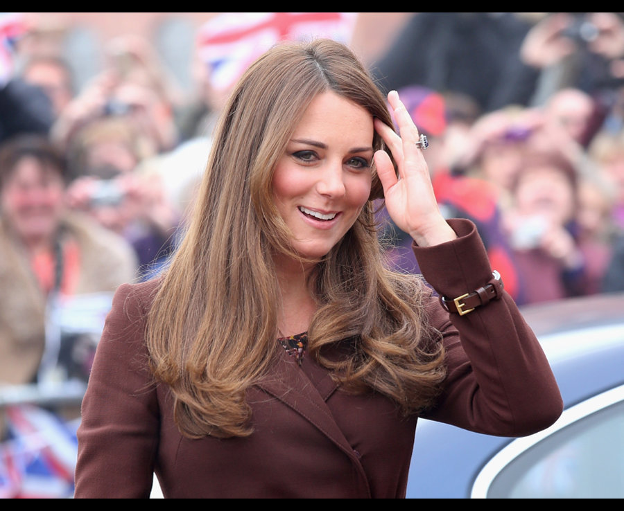 Catherine, Duchess of Cambridge arrives at the National Fishing Heritage Centre on March 5, 2013 in Grimsby Photo (C) GETTY IMAGES