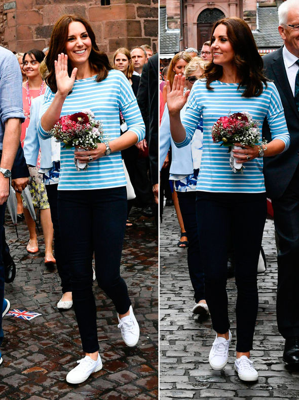 Duchess of Cambridge, Kate swapped heels for comfortable white plimsoles Photo (C) AFP, GETTY