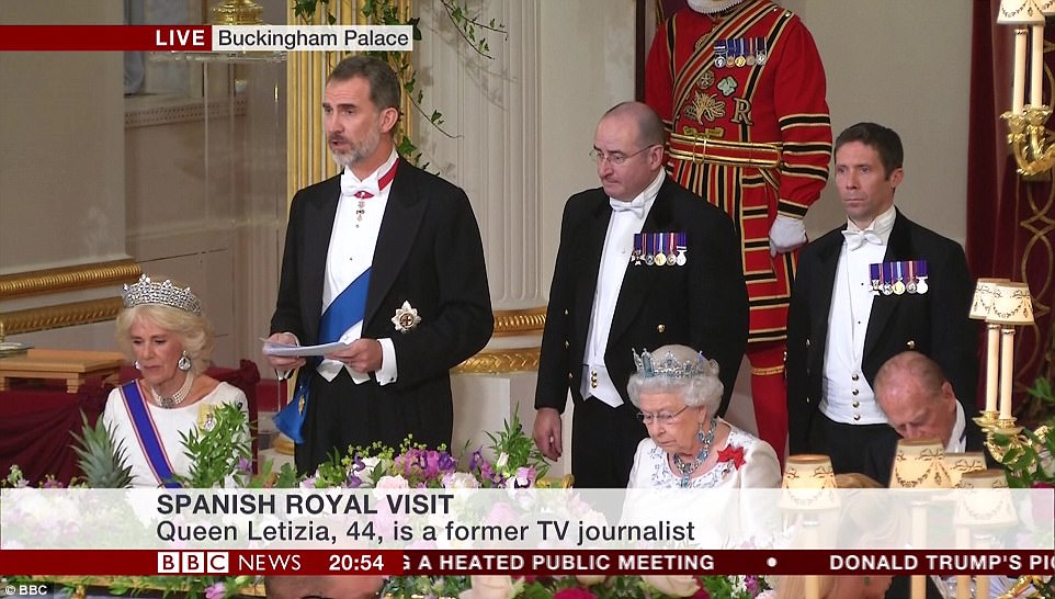 banquet speech W e meet tonight in a world transformed, sighed theresa may at the opening of her guildhall speech too right, she thought to herself normally the lord mayor's banquet was a total blingfest, but compared with donald trump's lift doors it looked like a food bank for bankers.