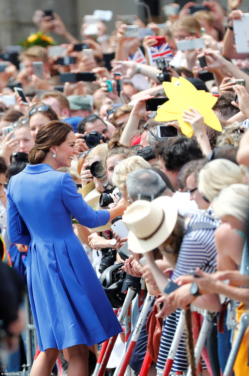 Kate fever hits Berlin! Royal fans were very enthusiastic about welcoming the Duchess, with thousands lining the streets
