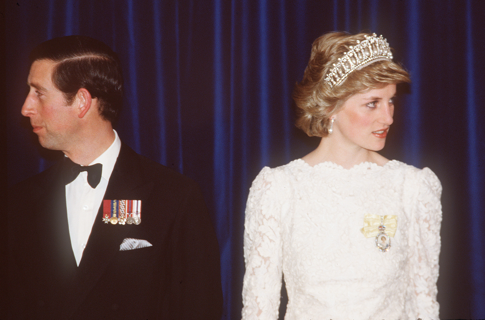 VANCOUVER - MAY 03: Prince Charles, Prince of Wales and Diana, Princess of Wales, wearing a white Murray Arbeid dress and Queen Mary;s diamond and pearl tiara, attend a dinner on May 03, 1986 in Vancouver, Canada. (Photo by Anwar HusseiVANCOUVER - MAY 03: Prince Charles, Prince of Wales and Diana, Princess of Wales, wearing a white Murray Arbeid dress and Queen Mary;s diamond and pearl tiara, attend a dinner on May 03, 1986 in Vancouver, Canada. (Photo by Anwar Hussein/Getty Images)n/Getty Images)