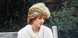 LONDON - DECEMBER 1983: Princess Diana, Princess of Wales, in Kensington Palace gardens looking lonely in December 1983. (Photo by Anwar Hussein/WireImage)