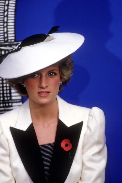 WASHINGTON DC- NOVEMBER 10: Diana Princess of Wales at the National Gallery of Art on November 10, 1985 in Washington DC, USA. Diana wore a dress designed by Catherine Walker with a hat by Frederick Fox.(Photo by David Levenson/Getty Images)