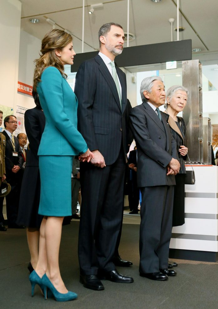 Spanish King Felipe VI and Queen Letizia visit the earthquake disaster prevention center in the central Japan city of Shizuoka, accompanied by Japanese Emperor Akihito and Empress Michiko, on April 7, 2017.