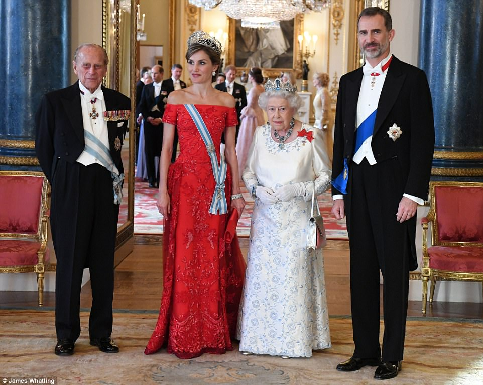 1 Prince Charles gets awkwardly close to Queen Letizia Personal Space totally Invaded Photo C GETTY IMAGES