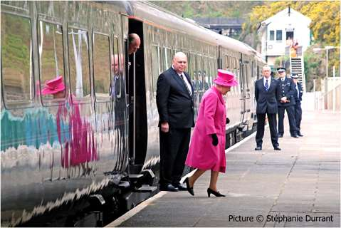 Take A Look INSIDE The King GEORGE Vl Saloon Carriage Also Used By Prince Philip