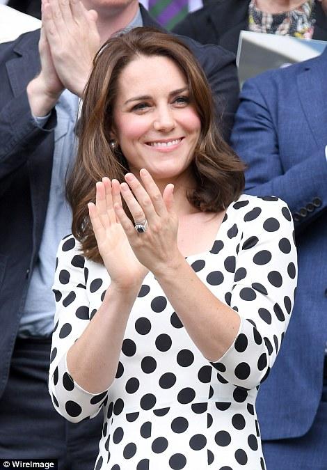 The Duchess of Cambridge applauds Andy Murray after he emerged victorious from his first round match