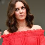 The Duchess who usuallu favours a subtle makeup look kept cosmetics to a minimum and let her dress do the talking