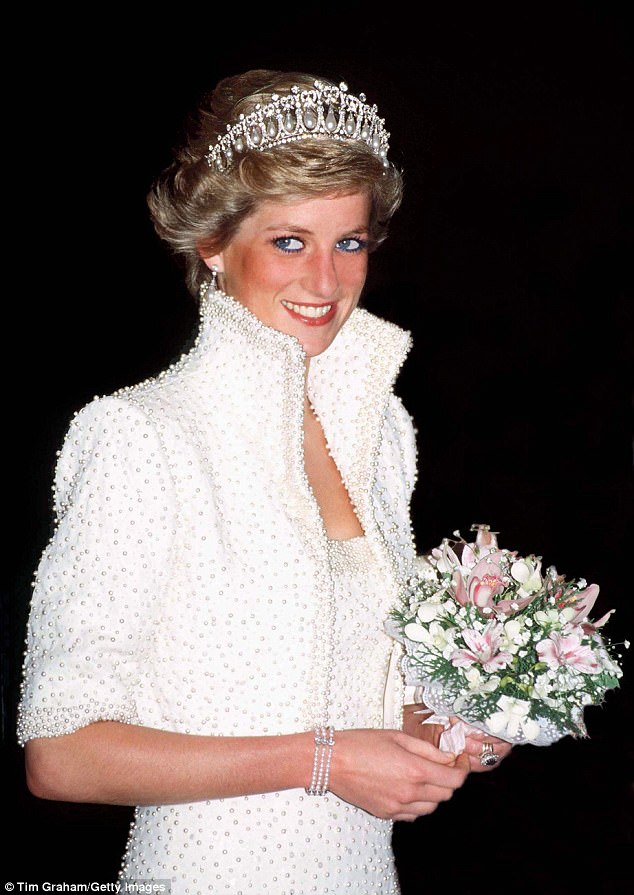 The three strand pearl bracelet was originally worn by Princess Diana (pictured in Hong Kong in 1989) and was designed by British jeweller Nigel Milne