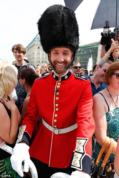 after making the brave decision to dress up as one of the Queen's guards, complete with a mock bearskin hat