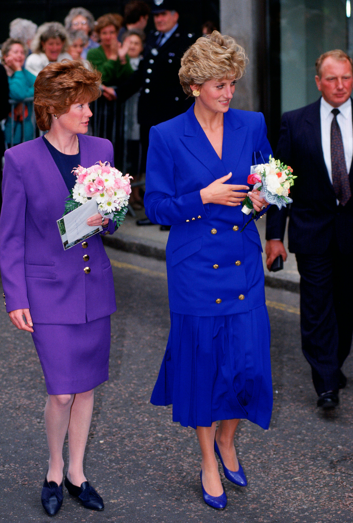 NOTTINGHAM, UNITED KINGDOM - SEPTEMBER 09:  Diana, Princess of Wales with her sister and Lady-in-Waiting, Sarah McCorquodale.  (Photo by Tim Graham/Getty Images)